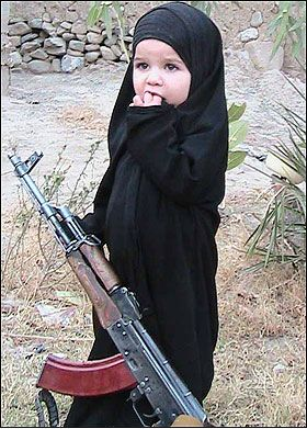 alqaeda girl with gun 7AIjH 16105
