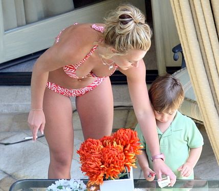 britney spears bikini smoking 66GKA 4767