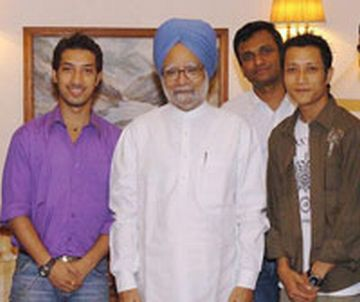 pm watched indian idol