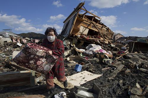 tsunami japan 2011 5565130629 3dc7768b24 ft7Yt 401