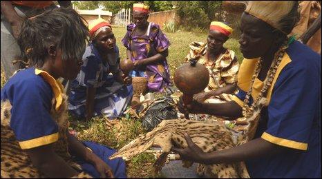 ugandan witch dr HS3VU 16105