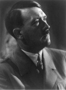 Adolf_Hitler_cph_3a48970