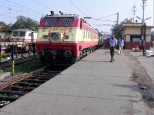 GZB_based_WAP-1_loco_with_(RNC-NDLS)_Jharkhand_Sampark_Kranti_Express