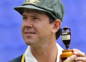 Ricky Ponting holds up the Ashes urn.