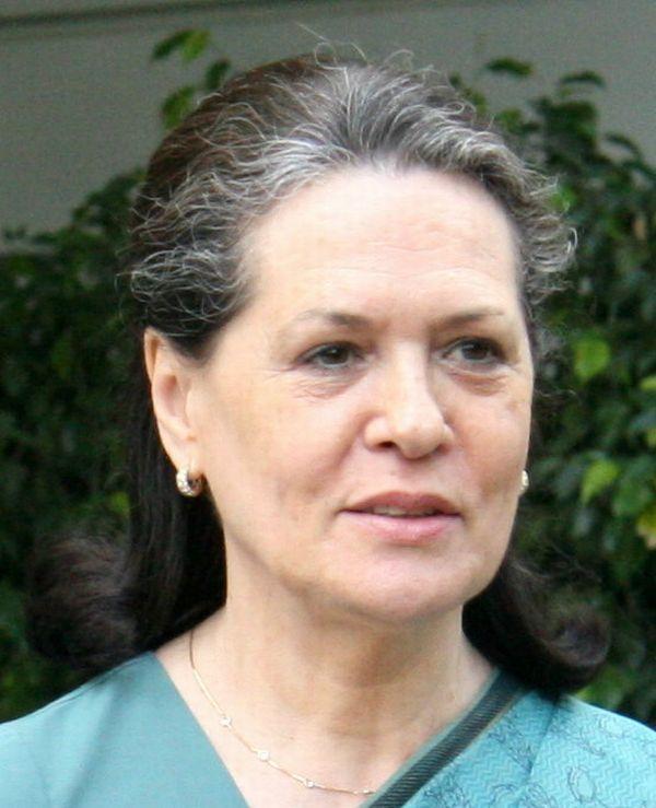 Sonia_Gandhi_(cropped)