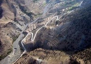 US_Army_51454_New_Afghan_roads_promote_peace,_prosperity