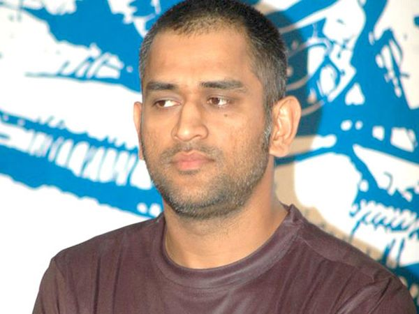 Dhoni_at_Reebok_event