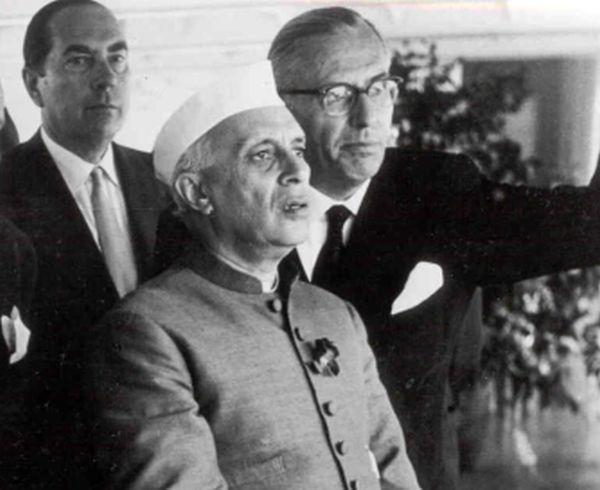 Hermann_Josef_Abs_-_mit_Adenauer_und_Nehru_1956