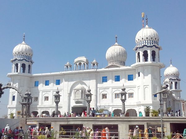 Akali Dal and the Gurdwara Issue