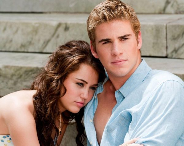 Liam Hemsworth and Miley Cyrus in relationship