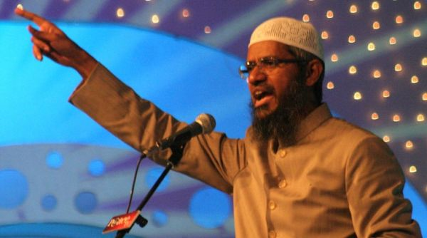 International speaker on Islam, Zakir Naik during his speech at the Azam Campus in Pune, October 19, 2008.