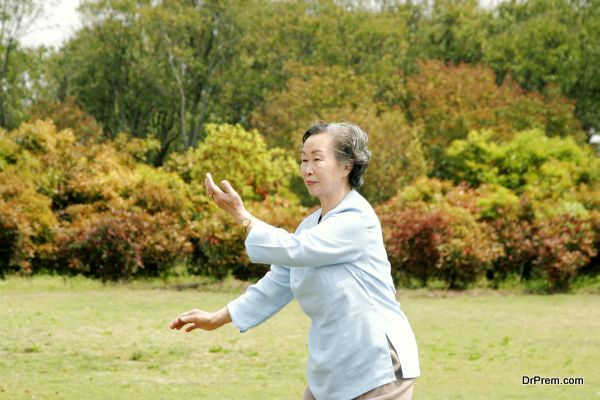 tai-chi-for-older-adults-4