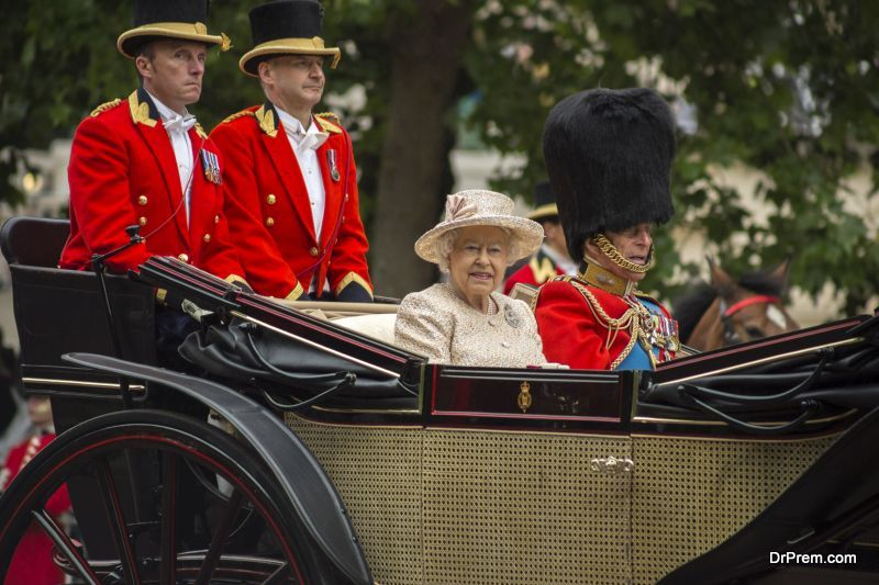Queen-and-the-royal-family