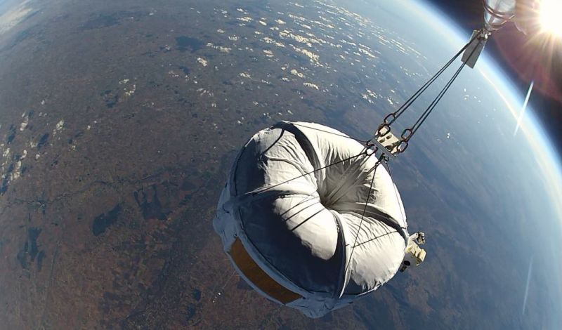 Space travel with helium balloons
