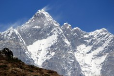 One last zoom shot of Mt Everest.