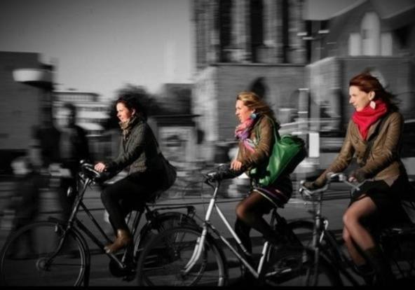 """FlashOn 1.3: Pic """"BicyGIRLS"""" by @theparty"""