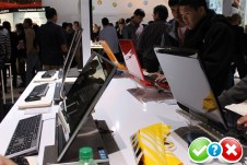 Samsung_ces_oled_laptop (5)