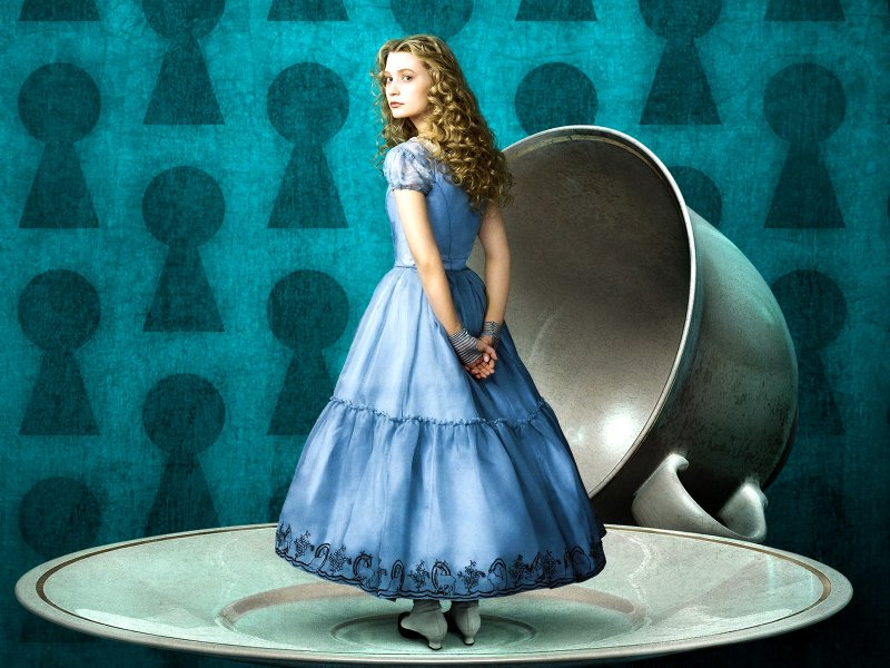 kinopoisk-ru-alice-in-wonderland-973848-w-800