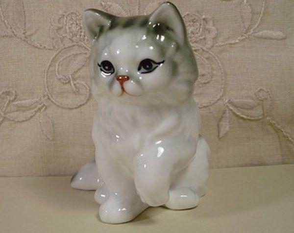 artificial cat