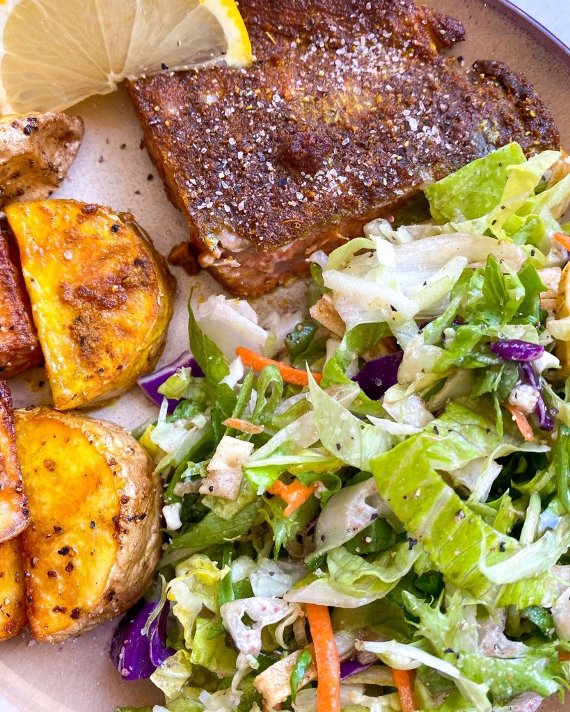 One Pot Air Fryer Salmon and Potatoes instantloss.com