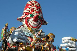 The carnival of Viareggio on Instantly Italy