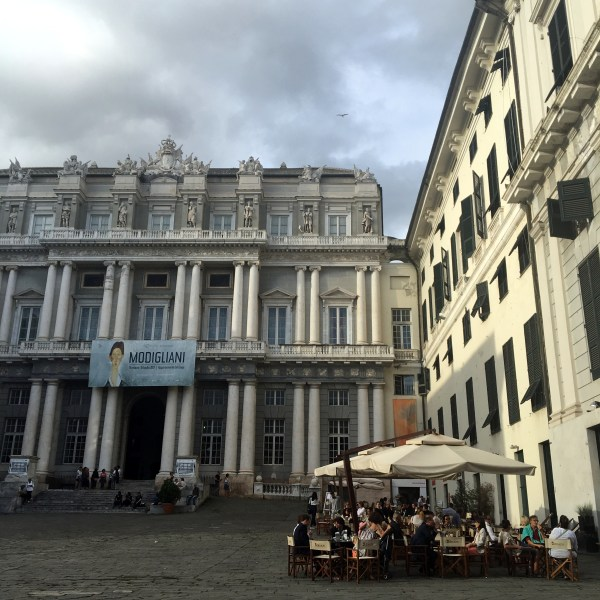 Genoa, private food tour: Piazza Matteotti