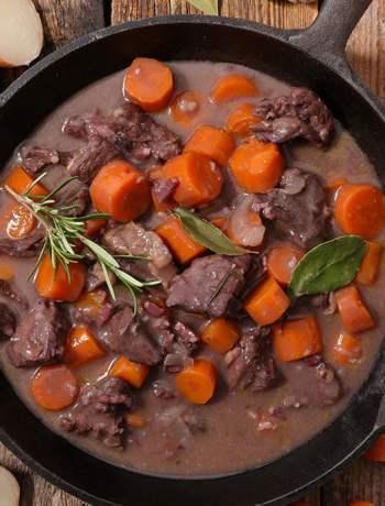 instant-pot-beef-Bourguignon-feature