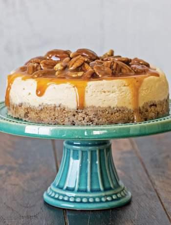 instant-pot-cheesecake-caramel-pecans