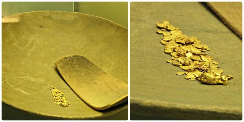 Recipiente para recuperar el oro, con unas pepitas de oro al interior