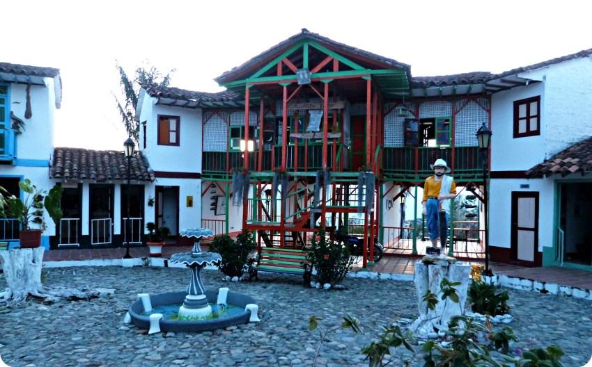 Plaza principal del Pueblito Viejo de Aguadas