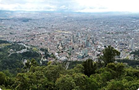 Vue sur toute la ville de Bogotá depuis Monserrate