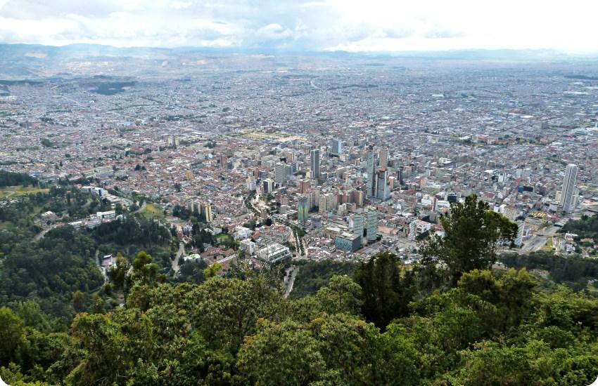 Vista sobre toda la ciudad de Bogotá desde Monserrate