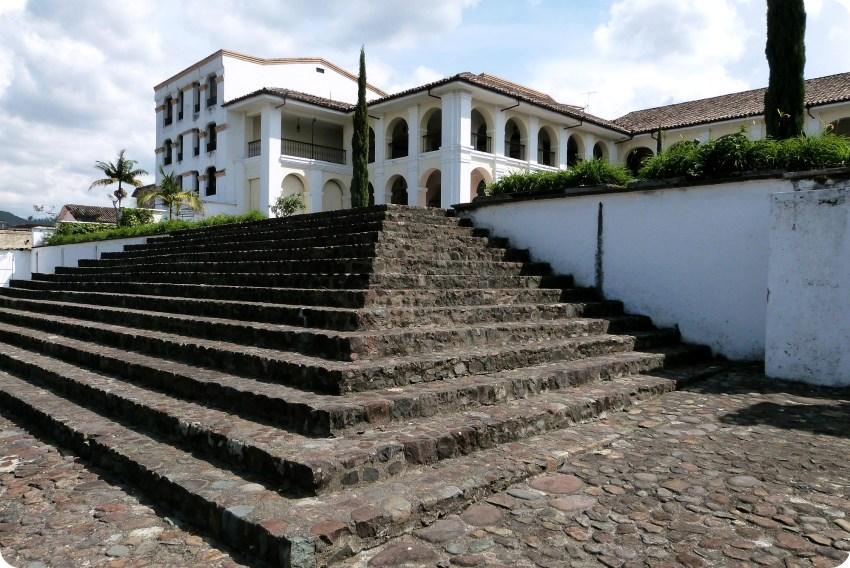 Escaleras y casa museo valencia de Popayán