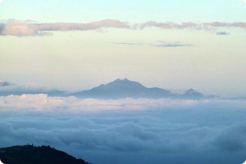 Vista de la montaña Munchique en frente al parque natural Puracé