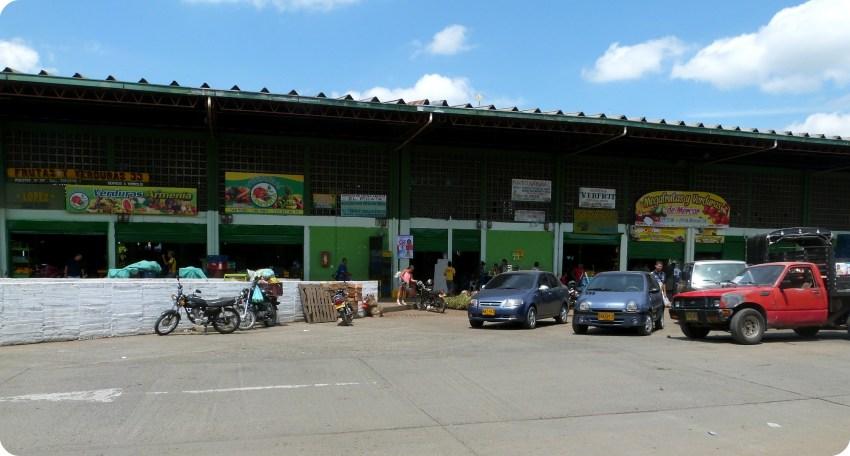 cobertizos del mercado de Armenia