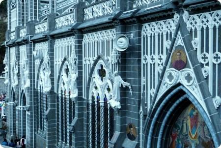 detalles en el Santuario de las Lajas de Ipiales