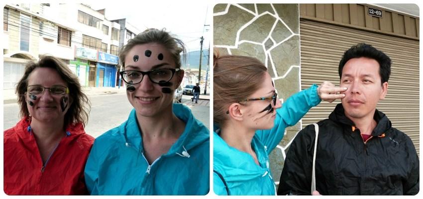 Nosotros al inicio del carnaval con puntos de negro en la cara durante el Carnaval de Pasto