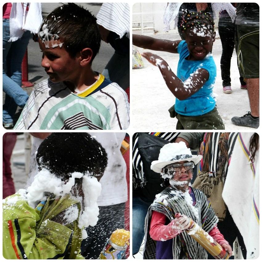 niños jugando con las cariocas en el carnaval de Pasto