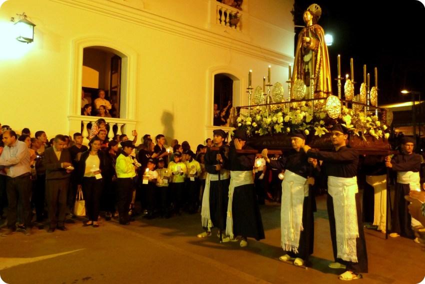 paso du mardi saint durant le défilé de la Semana Santa de Popayán