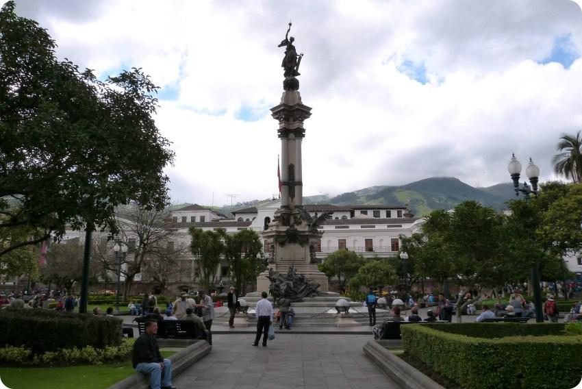 El Monumento de la Independencia en la Plaza Grande de Quito