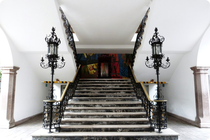 Escalera del Palacio Presidencial de Quito