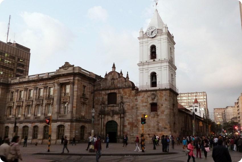 Iglesia San Francisco en la septima en el centro histórico de Bogotá