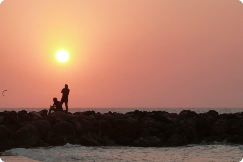 atardecer en una playa de Cartagena