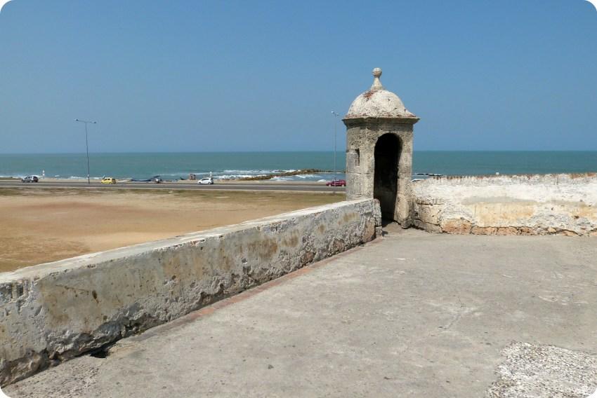 Murailles de la ville de Carthagène avec vue sur la mer des Caraïbes