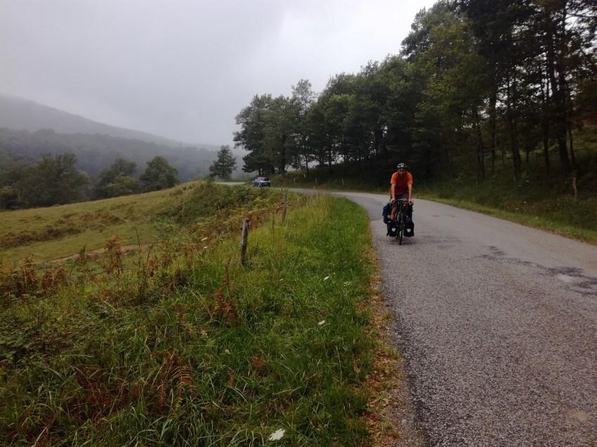 voyage vélo ariège foix roquefort les cascades