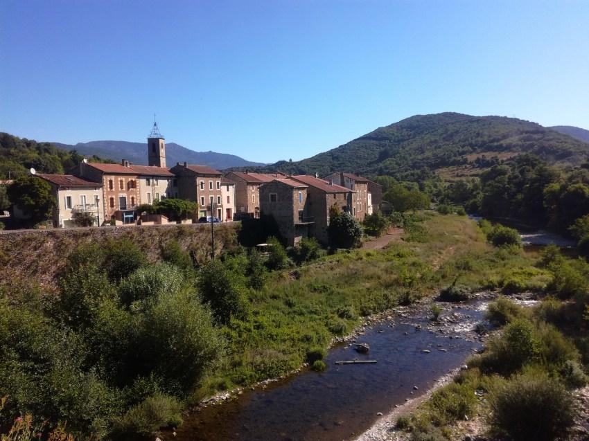 saint étienne d'albagnan hérault paysage village voyage vélo