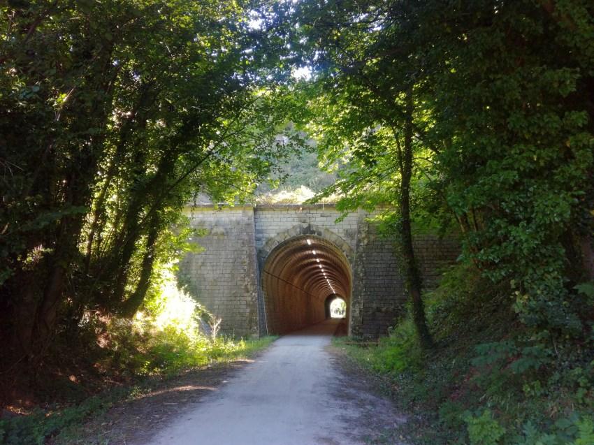 Voie verte entre Saint-Étienne-d'Albagnan et Olargues voyage vélo hérault