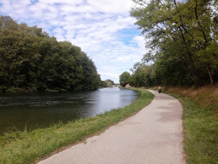 Canal du Nivernais yonne voyage vélo