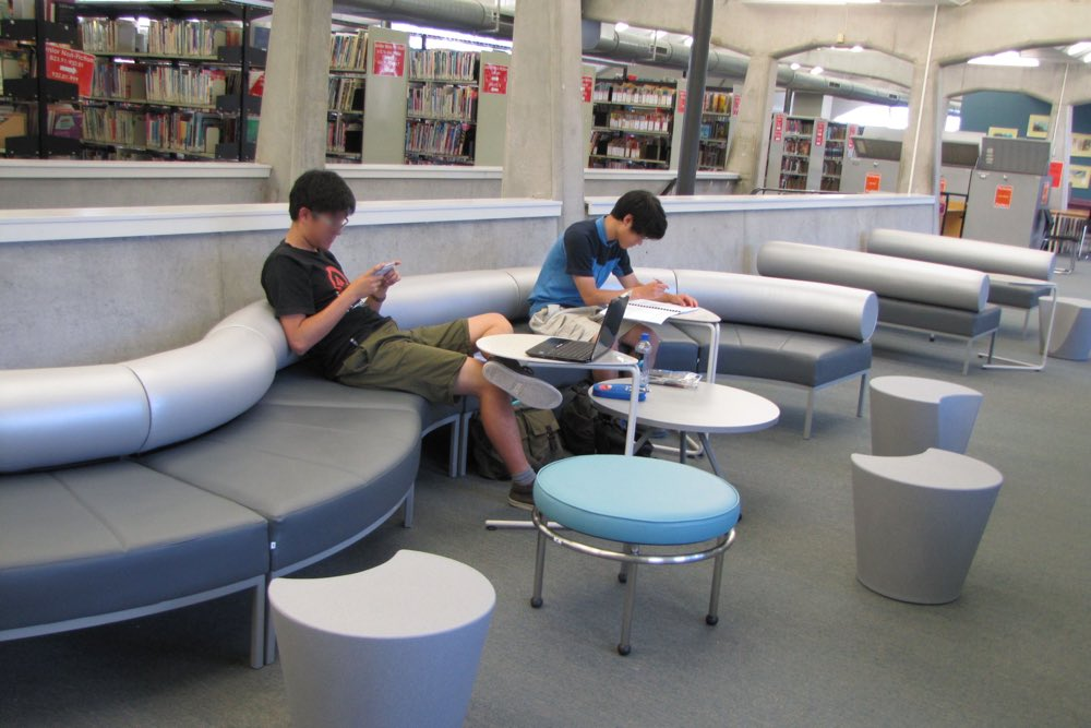 APPLE Stools in an informal learning area at The University of Auckland's Sylvia Ashton-Warner Library