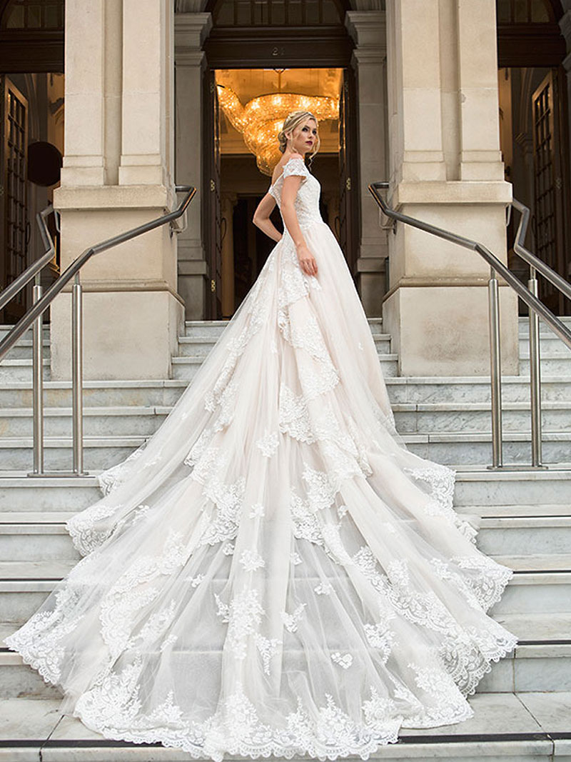 A Complete Guide To Finding The Perfect Wedding Dress